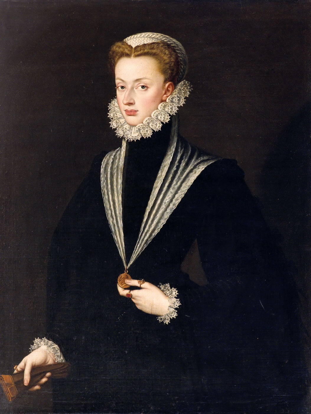 close similarities between the london portrait and the habsburg portrait