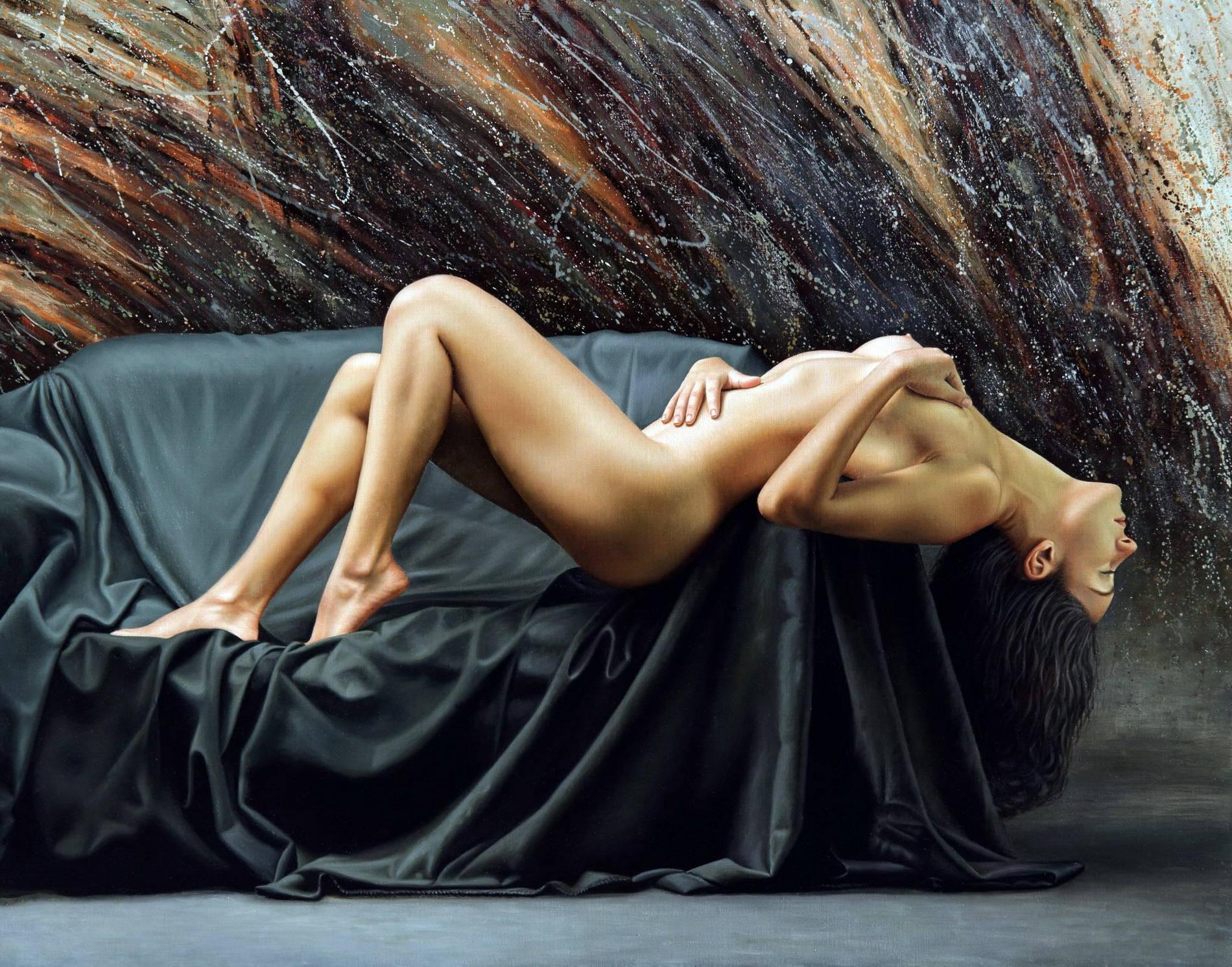 Художник рисует голую девушку 1 фотография
